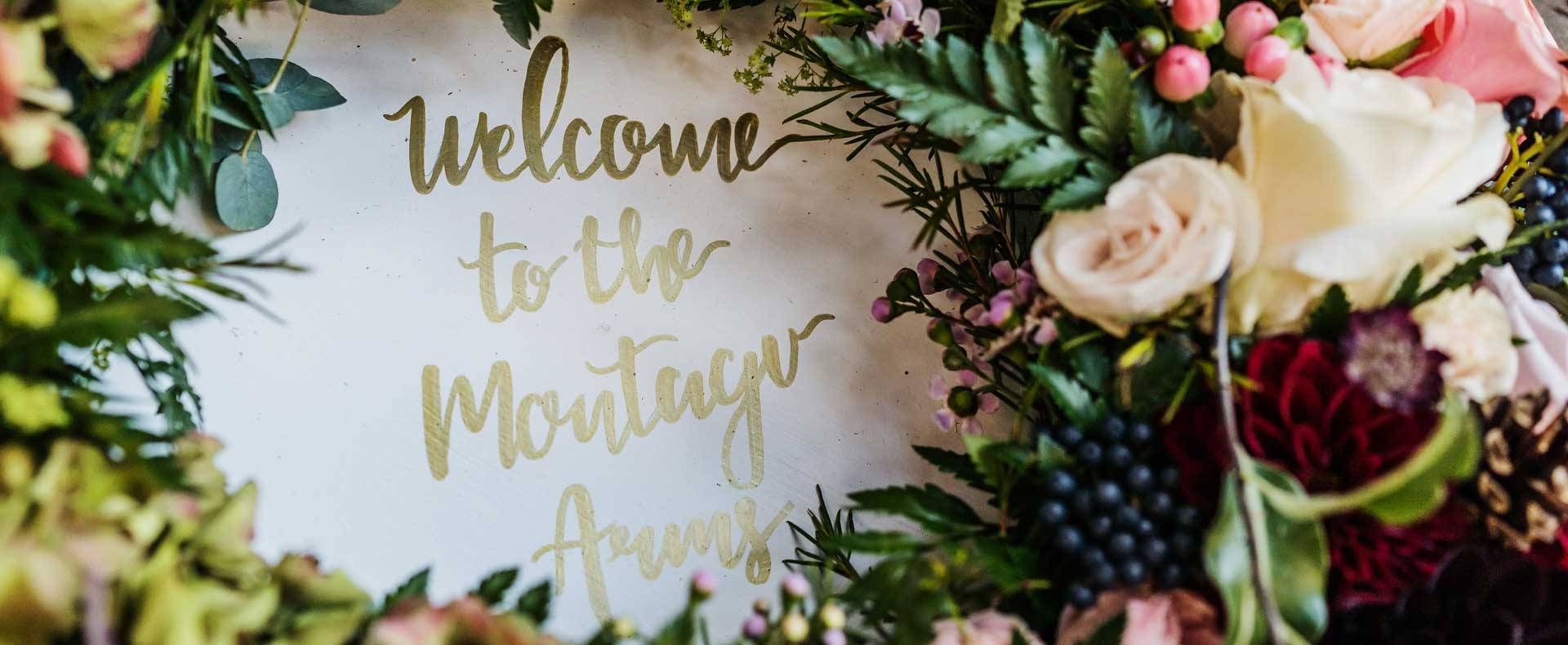 wedding_entrance_floral_sign